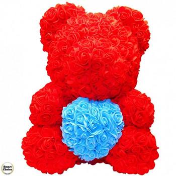 Ръчно изработено мече от рози в червено със синьо сърце 37 см