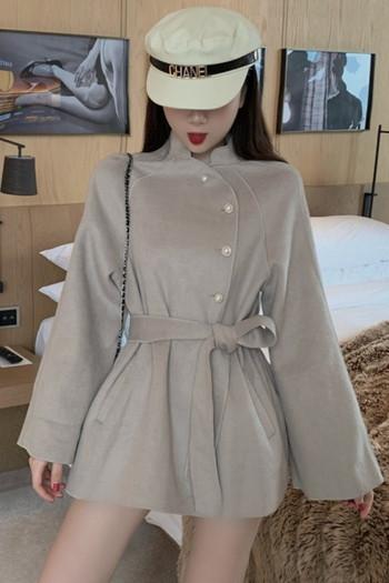 Стилно дамско палто с копчета и колан