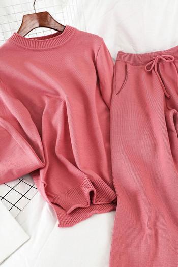 Ежедневен дамски плетен комплект от две части - пуловер и панталон