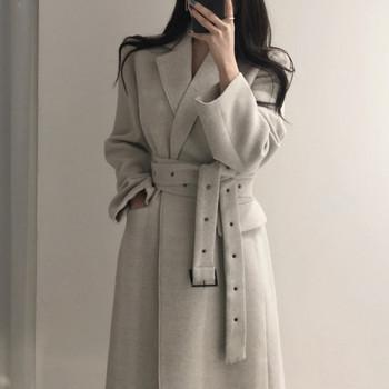 Дамско стилно палто с колан на талията и шпиц деколте -дълъг модел
