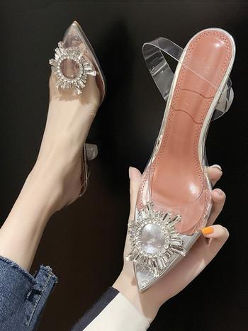 Νέο μοντέλο γυναικεία παπούτσια με χοντρό τακούνι - μυτερό μοντέλο
