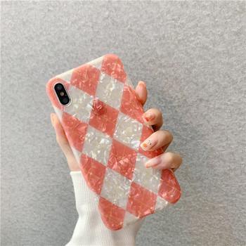 Силиконов калъф за iPhone XS с геометрични фигури и лъскав ефект