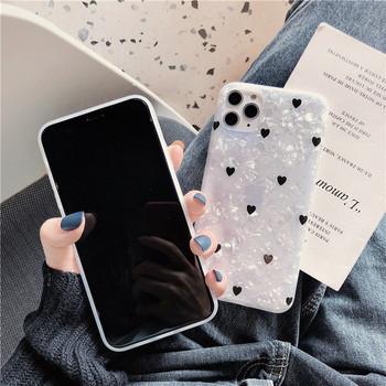 Бял калъф с лъскав ефект и сърца за  iPhone 11 Pro Max