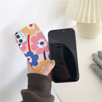 Цветен калъф за iPhone 11  с мраморен ефект