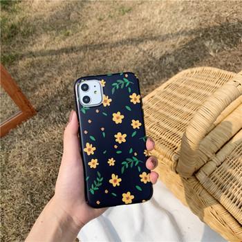 Калъф за iPhone 11 с цветя в жълт цвят