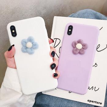 Силиконов калъф с 3D елемент цвете за iPhone XS