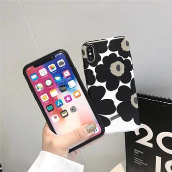 Калъф за iPhone XS с цветя в черно-бял цвят