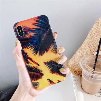 Цветен калъф  с флорален десен за iPhone XS
