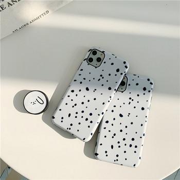 Калъф за iPhone 11 Pro Max на точки в черно-бял цвят
