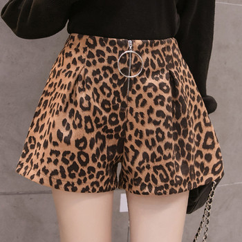 Актуален дамски къс панталон с леопардов принт