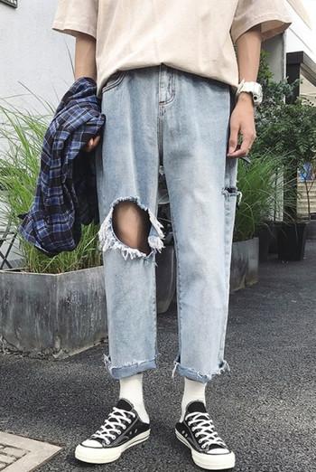 Мъжки дънки широк модел с висока талия и скъсани мотиви