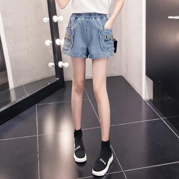 Нов модел дънкови дамски панталони с джобове и бродерия