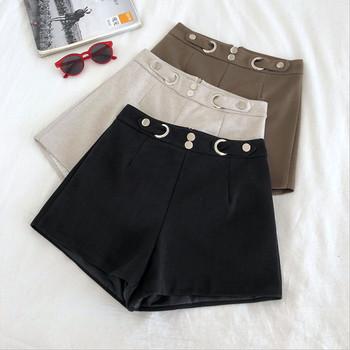 Стилни къси дамски панталони с висока талия и метални елементи
