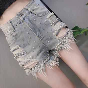 Актуални къси дамски панталони със скъсани мотиви и перли