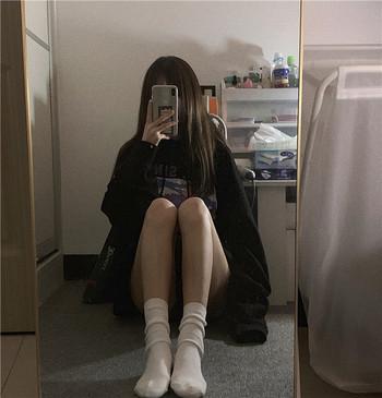 Черен дамски суичър с цветна щампа