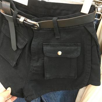 Спортно-ежедневни дамски къси панталони с джобове и колан