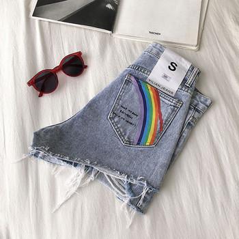 Къси дънкови панталони с апликация и надпис