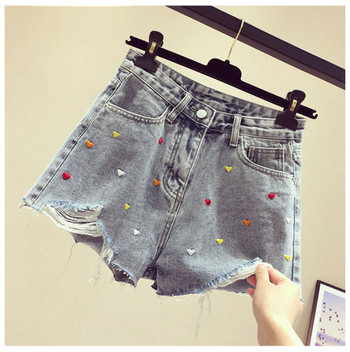 Модерни къси дамски панталони с бродерия сърца