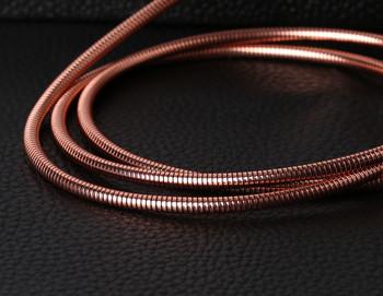 Метален бързозареждащ USB кабел тип пружина тип Micro usb в розово-златист цвят