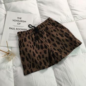 Къси дамски панталони с еластична талия и леопардов десен