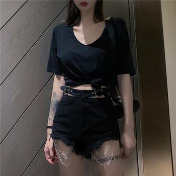 Нов модел къси дамски панталони с изрязани части и метални елементи
