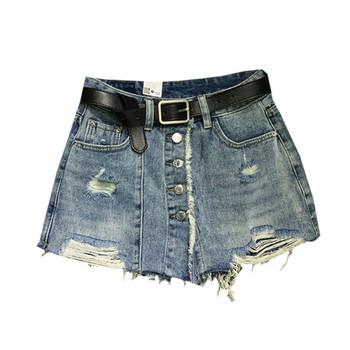 Дамски къси дънки с разкъсани мотиви и копчета