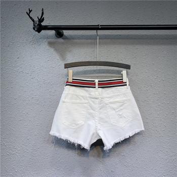 Нов модел къси дамски панталони с бродерия и колан