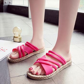 Летни дамски сандали с равна подметка