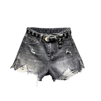 Ежедневни къси дамски панталони със скъсани мотиви
