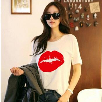 Ежедневна дамска тениска с овално деколте,къс ръкав и щампа