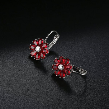 Дамски обеци с форма на цвете с декорация камъни