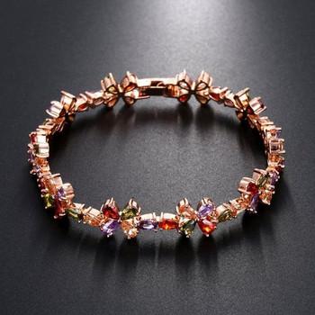 Гривна с цветни камъни с форма на цвята
