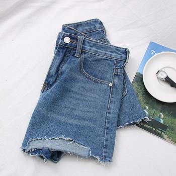 Къси дънкови панталони със скъсани мотиви и висока талия