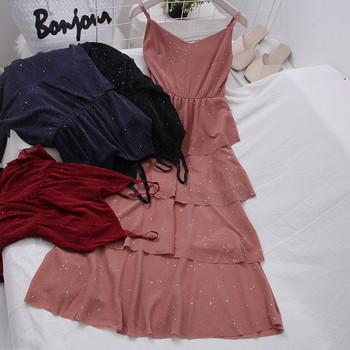 Разкроен модел дамска рокля с лъскав ефект и тънки презрамки