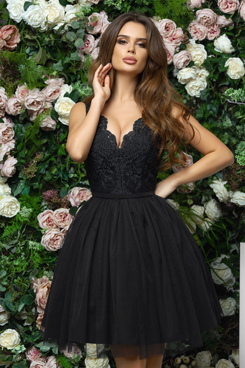 Къса бална рокля