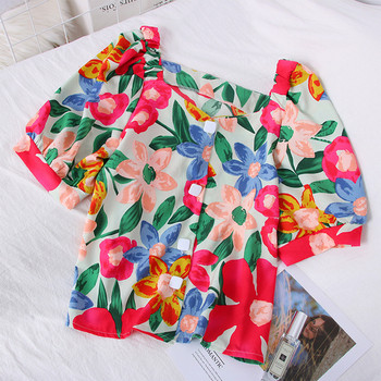 Цветна дамска риза с флорални мотиви