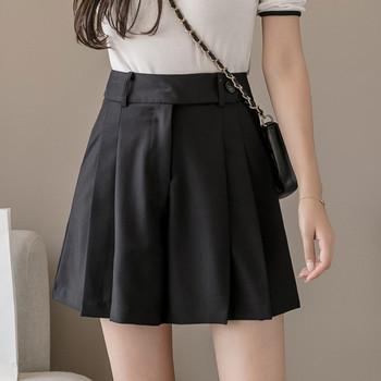 Ежедневни дамски къси панталони с висока талия  в черен цвят