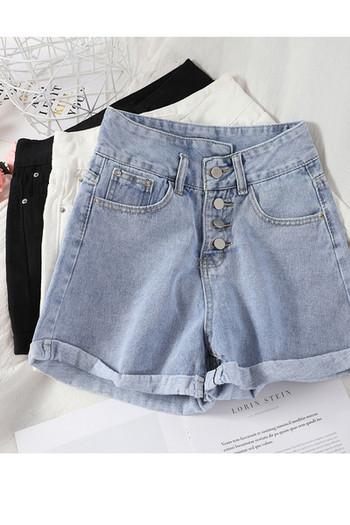 Дамски къси панталони от деним с копчета
