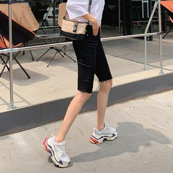 Нов модел дамски дънки над коляното