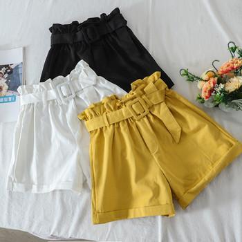 Широки дамски къси панталони с висока талия и колан