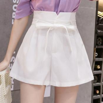Къси дамски панталони с висока талия и колан - изчистен модел