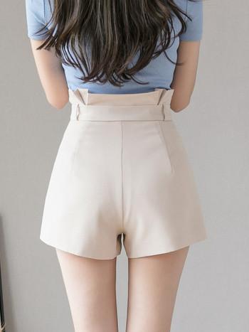 Стилни дамски къси панталони с колан на талията