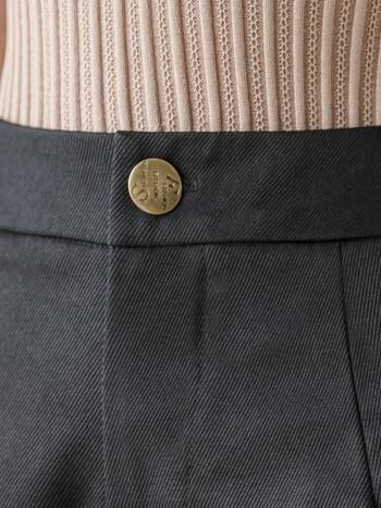 Модерни дамски къси панталони с висока талия и копче