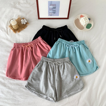 Къси дамски панталони с бродерия и еластична талия