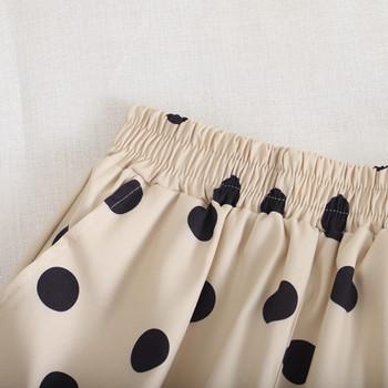 Къси дамски панталони на точки с еластична талия