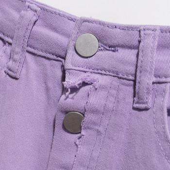 Модерни къси дънки с изрязани части и копчета