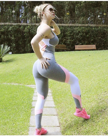 Дамски спортен гащеризон с гол гръб и цветни презрамки
