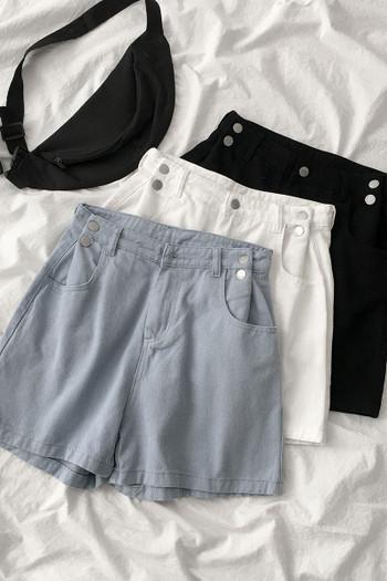 Къси дамски дънки с джобове и копчета