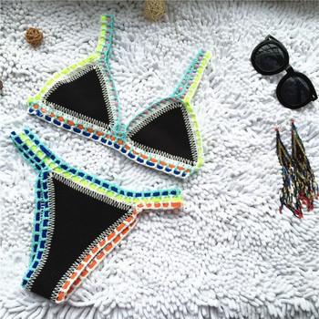 Плетен цветен бански костюм с триъгълно горнище