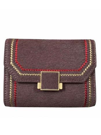 Γυναικείο πορτοφόλι με μεταλλική στερέωση και κέντημα